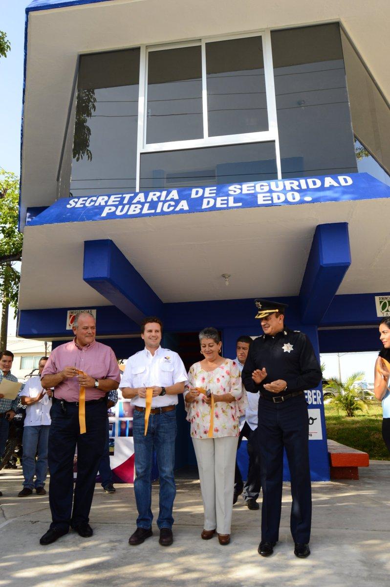 Remodela Ayuntamiento caseta de policía en Bonanza y adopta IP el parque del lugar