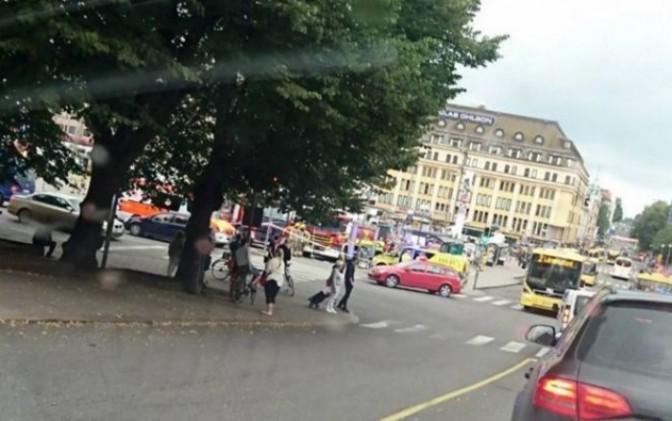 Muere uno en presunto atentado a puñaladas, en Finlandia