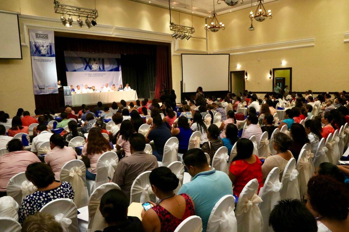 """Inaugura la SEQ el seminario """"Los Retos de la Educación en el Nuevo Milenio"""""""