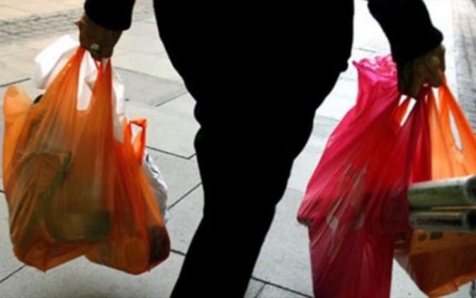 Prohíben en Querétaro uso de bolsas de plástico en tiendas