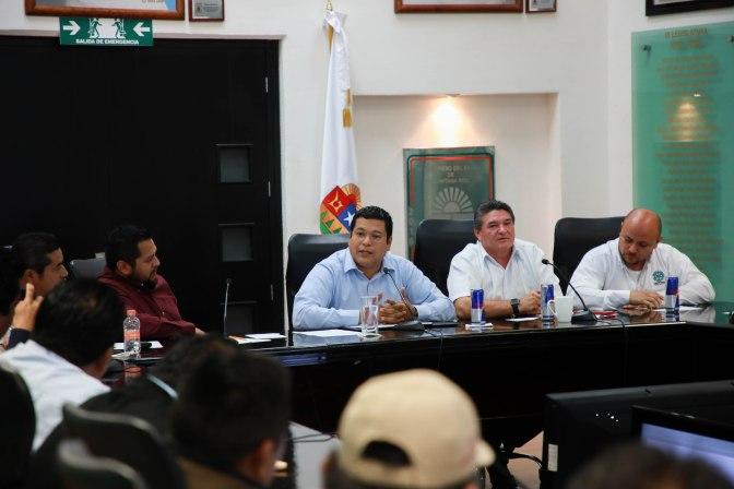 Recibe XV Legislatura propuestas de taxistas