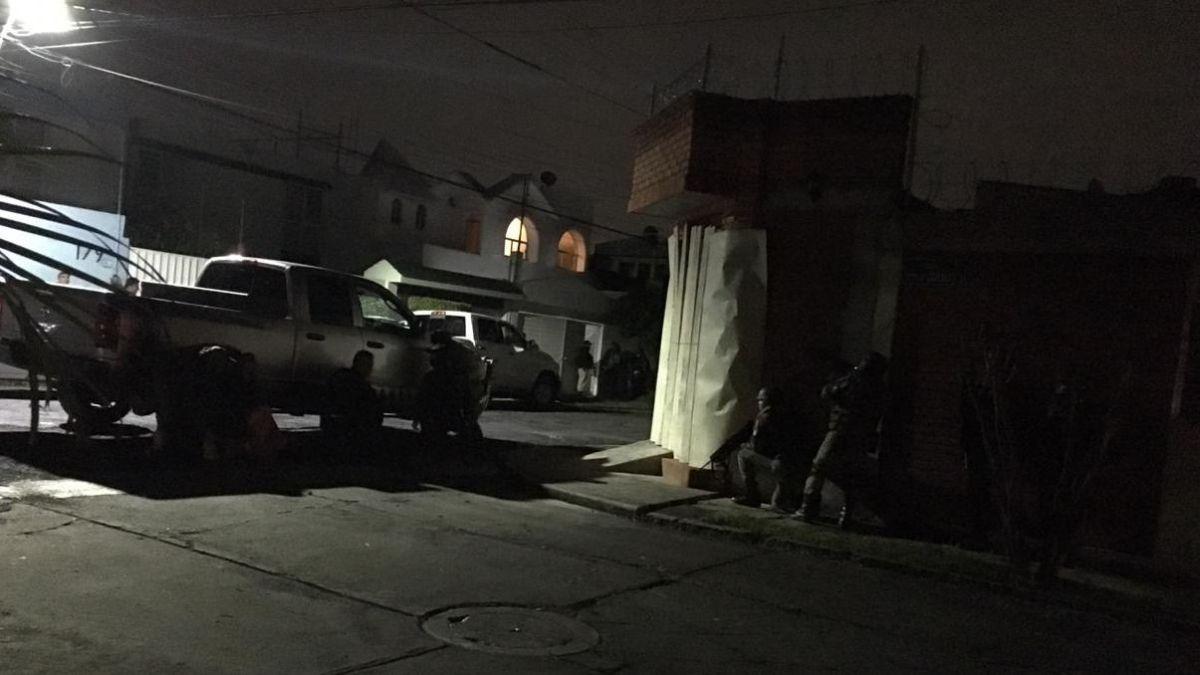#Nacional // Enfrentamiento entre policías y comando armado deja 5 muertos en#Morelia