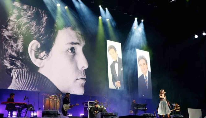#Espectáculo // El #ZócaloCapitalino retumba con homenaje a#JoséJosé