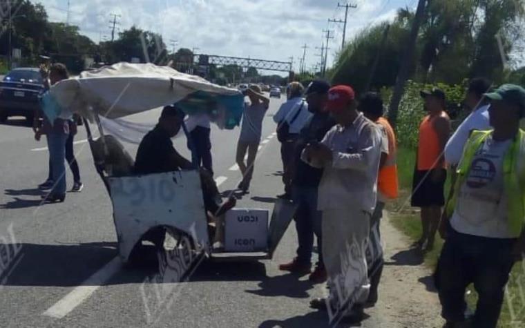 #DeÚltimaHora // Camioneta se impacta contra #Pochimóvil en la Villahermosa-Frontera
