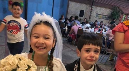 #CualquierParecido… // Se #Viraliza la reacción de estos niños en su 'boda' de#kermés