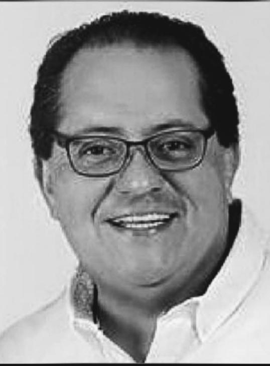 Manuel Andrade Díaz es un político mexicano, miembro del Partido Revolucionario Institucional, que ocupó el cargo de Gobernador de Tabasco de 2002 a 2006. Es licenciado en Derecho por la Universidad Juárez Autónoma de Tabasco y diplomado en Derecho Electoral y Derecho Parlamentario.